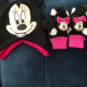 Childs Disney hat and gloves